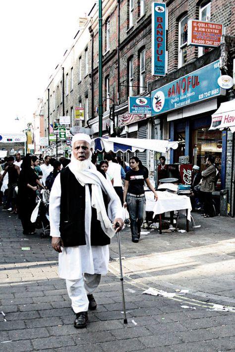 Bangladeshi_man_in_Brick_Lane,_London