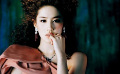 Crystal Liu Yi Fei 2