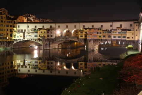 Florence_Ponte_Vecchio_bridge_at_night