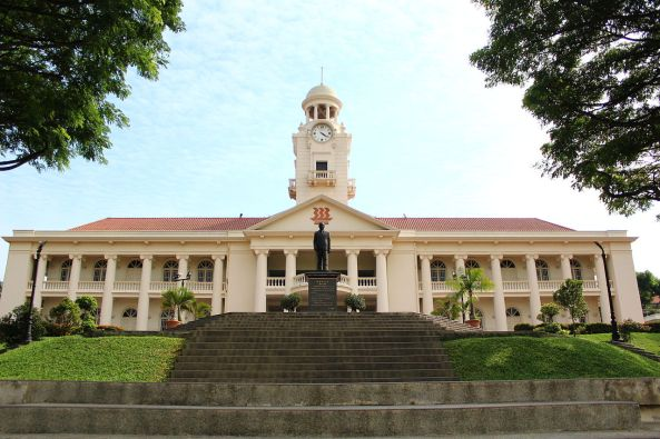 Hwa_Chong_Institution_Clock_Tower_Front_View