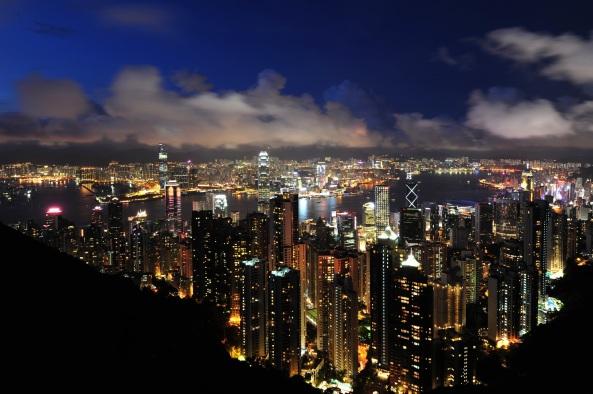 Panorama.3-1_hong_kong_panorama_2011_dusk_victoria_peak