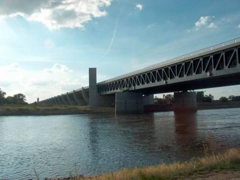 Trogbrücke_Magdeburg