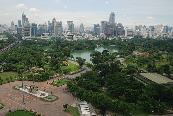 1024px-Aerial_view_of_Lumphini_Park