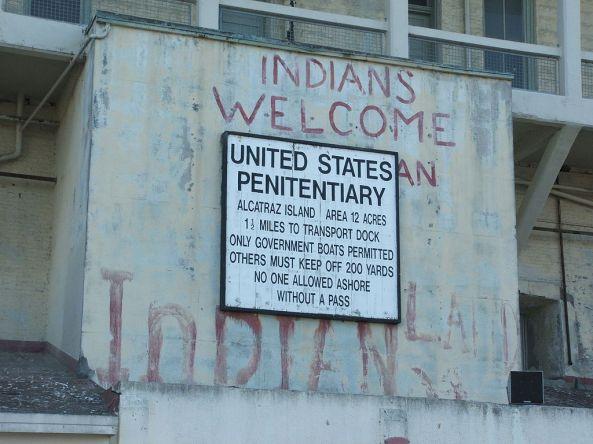 1024px-Alcatraz_Island_01_Prison_sign