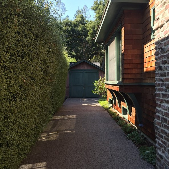 1024px-Birthplace-of-Silicon-Valley-Garage-on-5-September-2016