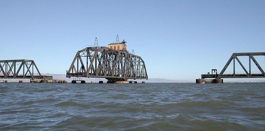 1024px-Dumbarton_Bridge1