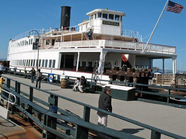 1024px-Eureka_(steam_ferryboat,_San_Francisco)