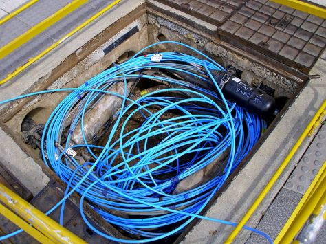 1024px-Fibre-optic_cable_in_a_Telstra_pit