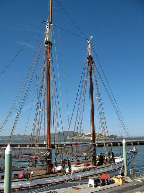 576px-Alma_(scow_schooner,_San_Francisco)_2