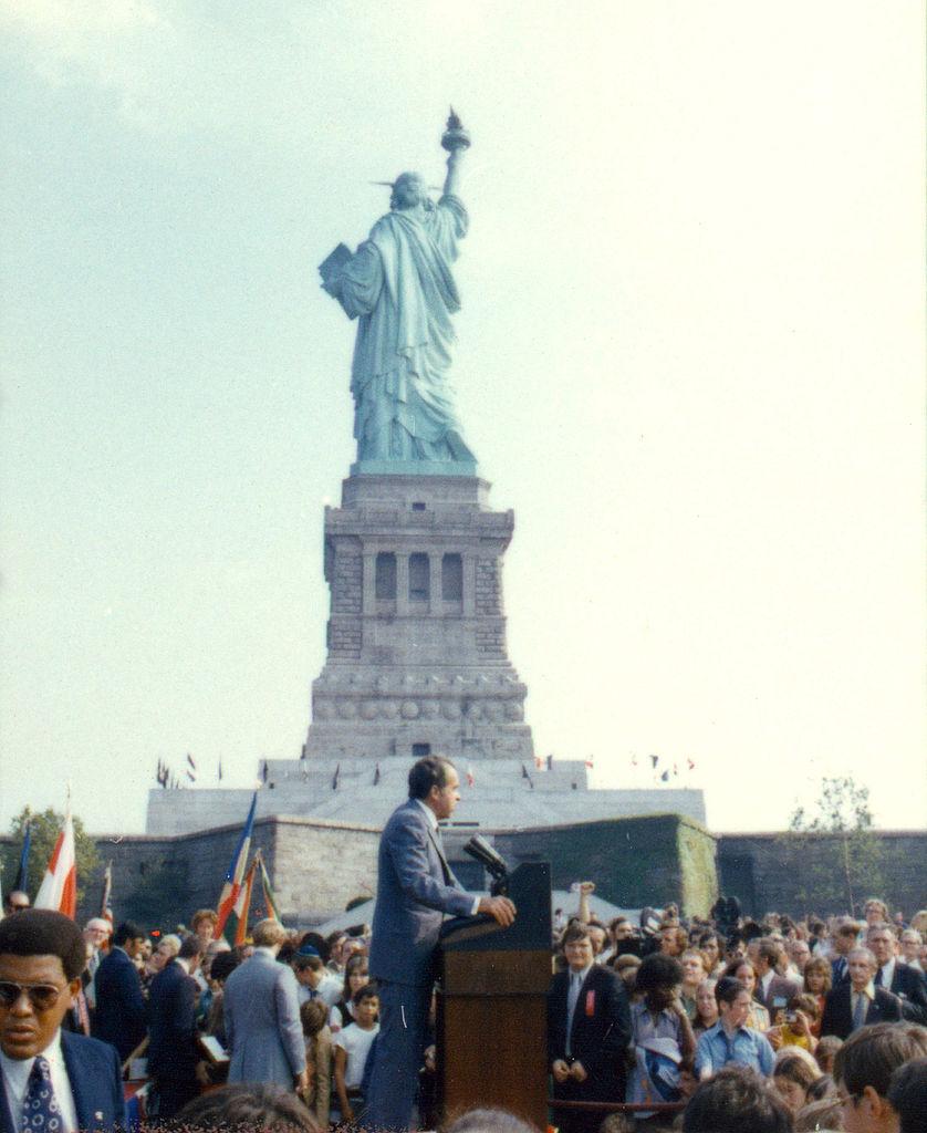838px-Nixon_at_Liberty_Island