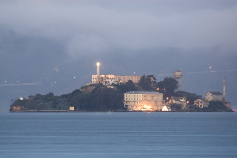 Alcatraz_dawn_2005-01-07