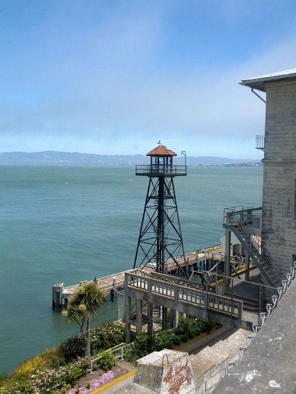 Alcatraz_island_2