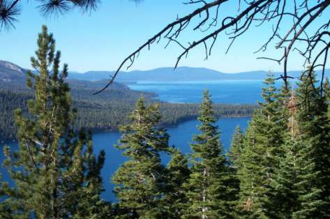 Fallen_Leaf_Lake_and_Lake_Tahoe_South_Shore