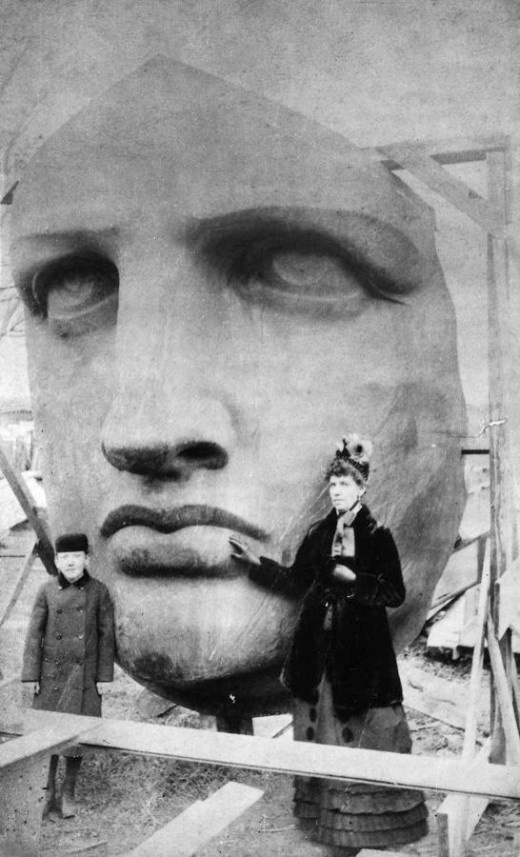 Head_of_the_Statue_of_Liberty_1885