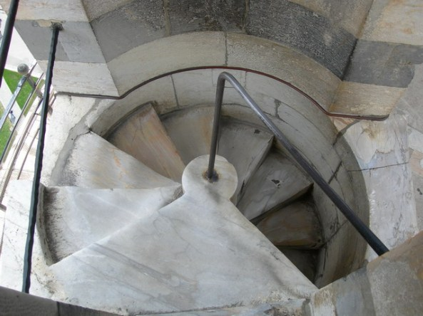 Leaning_tower_staircase_7th_floor