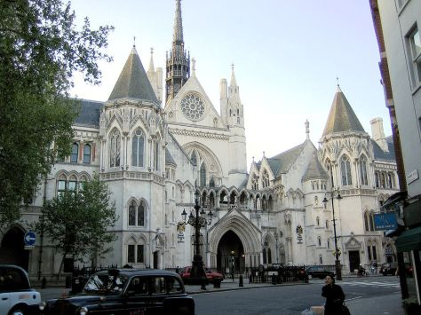 1024px-Royal_courts_of_justice