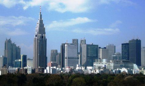 1280px-Skyscrapers_Shinjuku_2007_rev