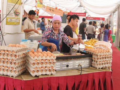 800px-Hari_Raya_13,_Kampong_Glam,_Oct_06