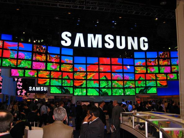 800px-SAMSUNG_at_CES_2009