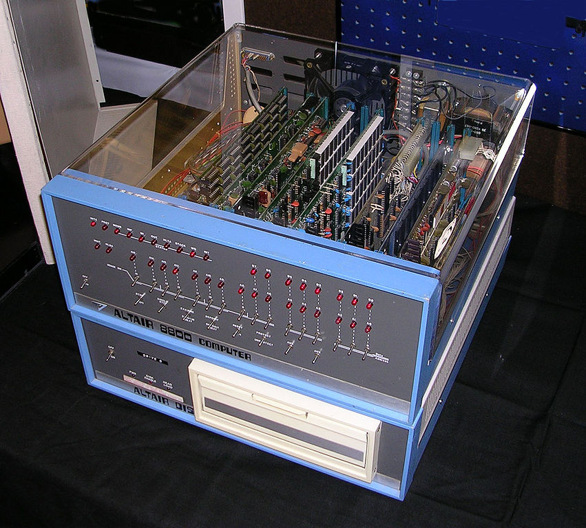 851px-Altair_8800_Computer
