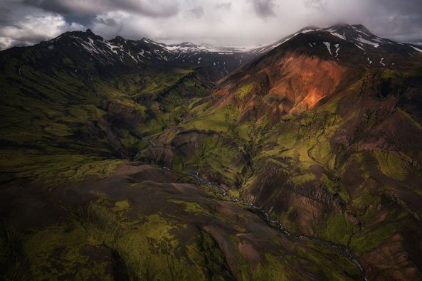 Amazing-Iceland-Aerial-Images-Show-Why-The-Country-Is-So-Popular-For-Movies-599ef5eb9e61a__880