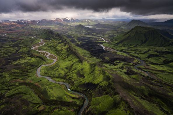 Amazing-Iceland-Aerial-Images-Show-Why-The-Country-Is-So-Popular-For-Movies-599ef5f27abf3__880