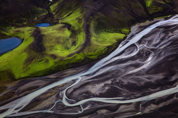 Amazing-Iceland-Aerial-Images-Show-Why-The-Country-Is-So-Popular-For-Movies-599ef69567569__880