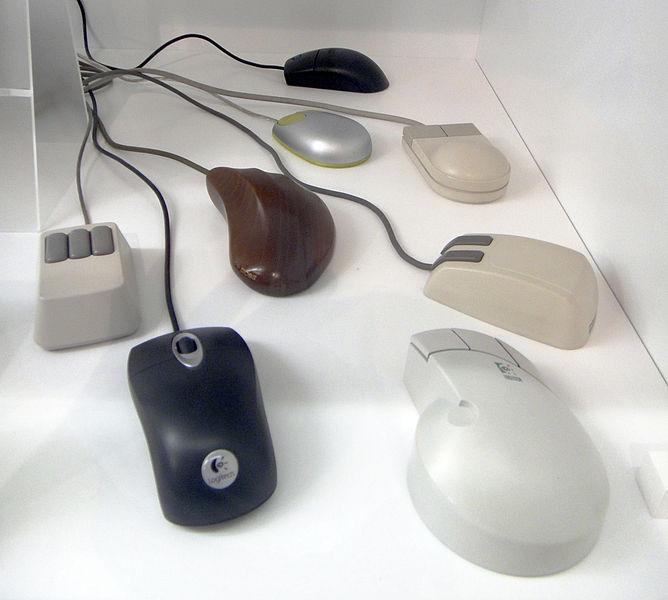 Assorted_computer_mice_-_MfK_Bern