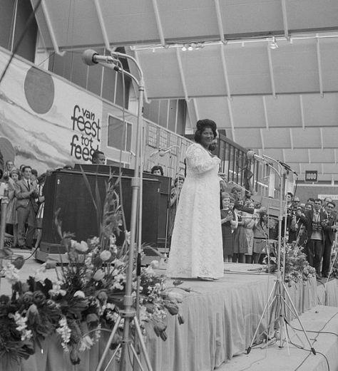 MahaliaJackson1964