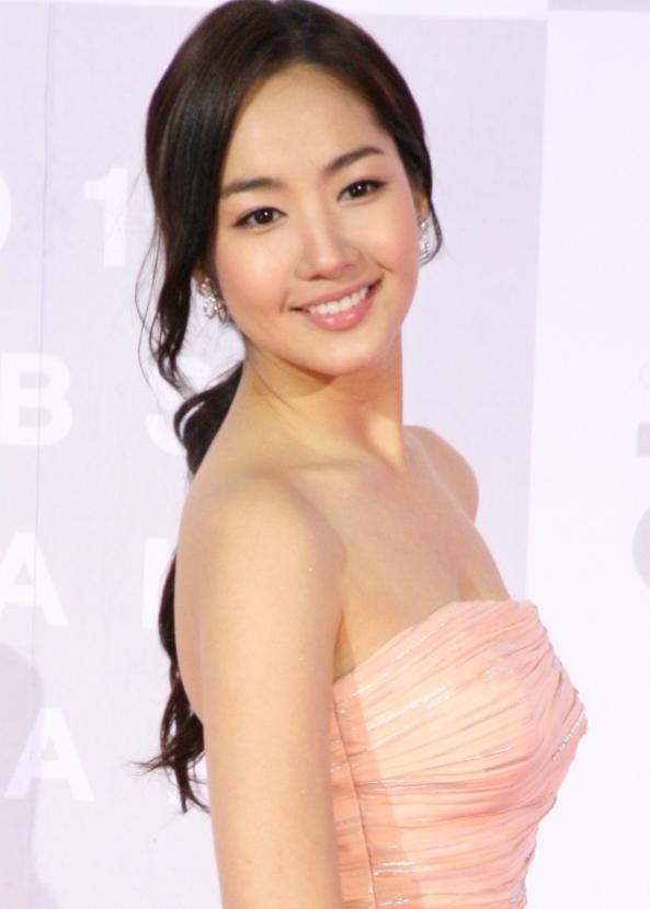Park_Min-young_at_the_2010_KBS_Drama_Acting_Awards_559