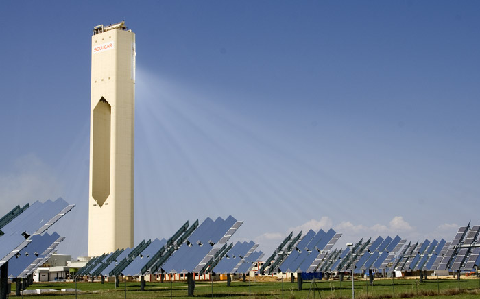 PS10_solar_power_tower