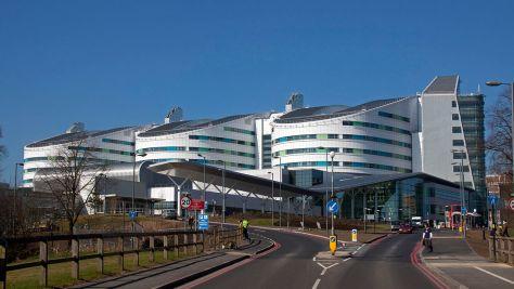 Queen_Elizabeth_Hospital_Birmingham,_Edgbaston,_Birmingham,_England-7March2011