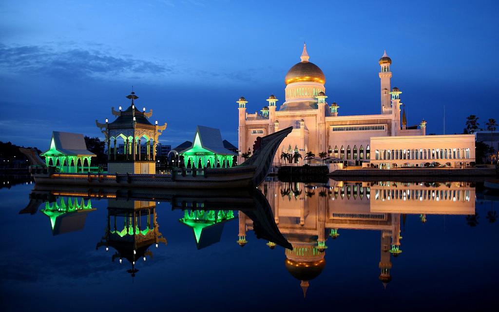 Sultan-Omar-Ali-Saifuddin-Mosque_4