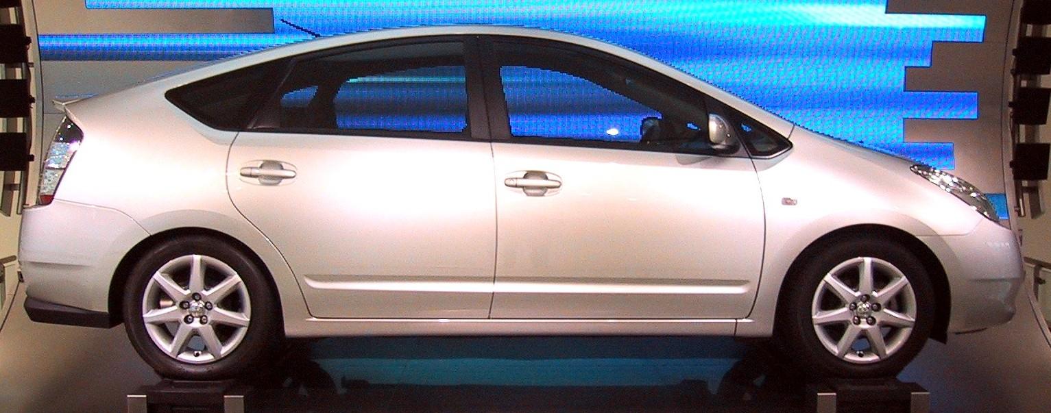 Toyota_Prius_side