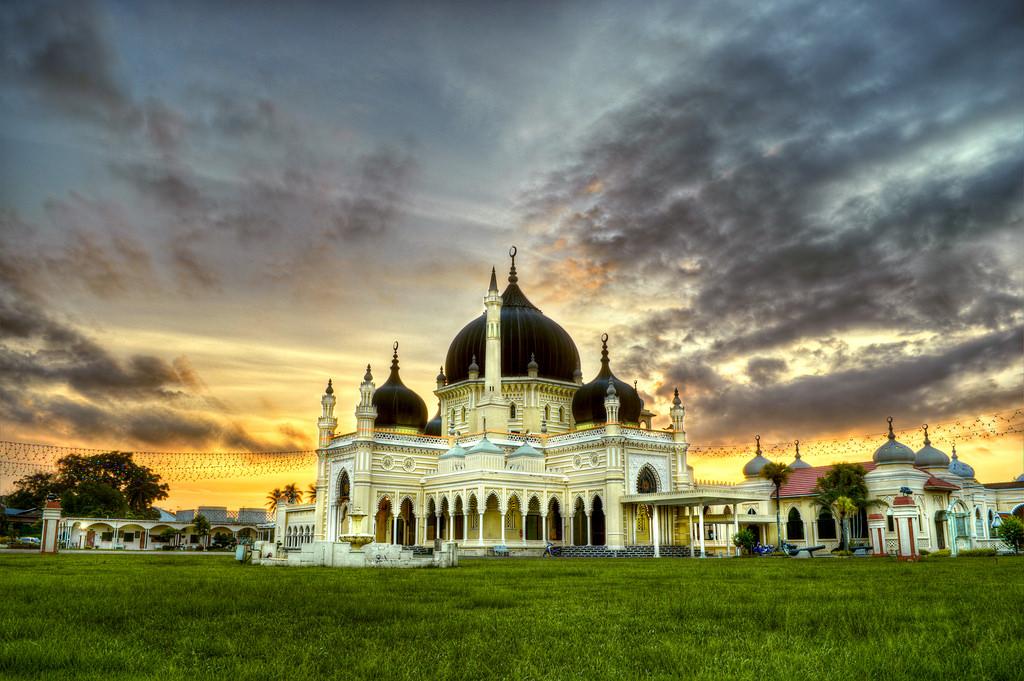Zahir Mosque 1