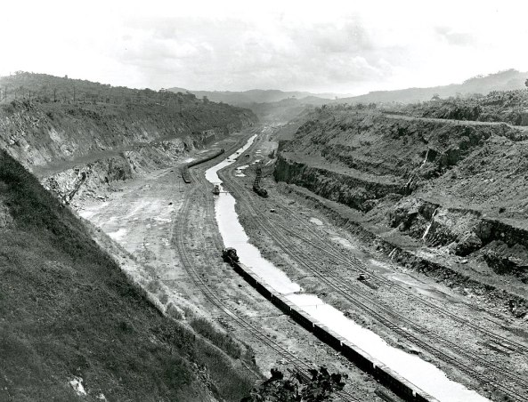 1007px-Before_Photograph_of_the_Panama_Canal