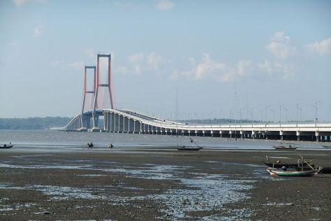 1024px-Suramadu_Bridge_5