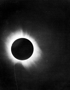 467px-1919_eclipse_positive