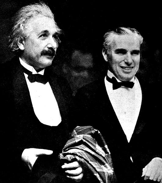 530px-Albert_Einstein_and_Charlie_Chaplin_-_1931