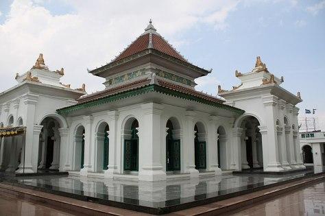800px-Masjid_Agung_Palembang