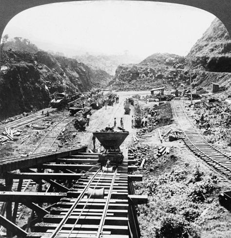 994px-Panama_Canal_under_construction,_1907