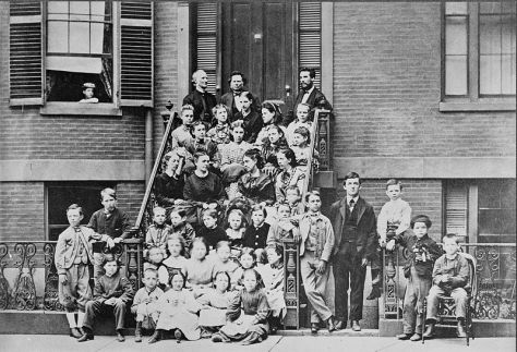Bell_at_the_Pemberton_Avenue_School_for_the_Deaf,_Boston,_from_the_Library_of_Congress._00837v