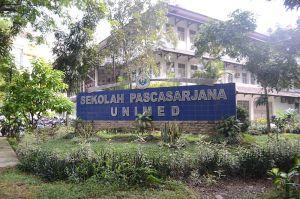 Gedung_Pascasarana_Universitas_Negeri_Medan_-_panoramio