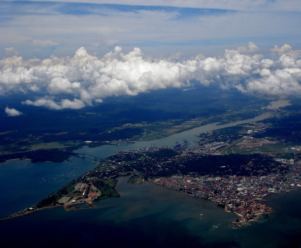 Panama_Canal_-_Pacific_Side_Entrance