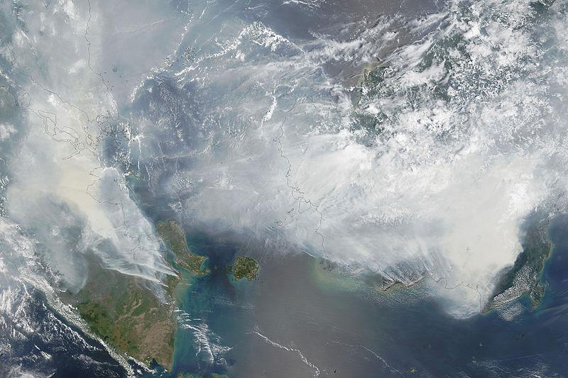 Satellite_image_of_2015_Southeast_Asian_haze_-_20150924