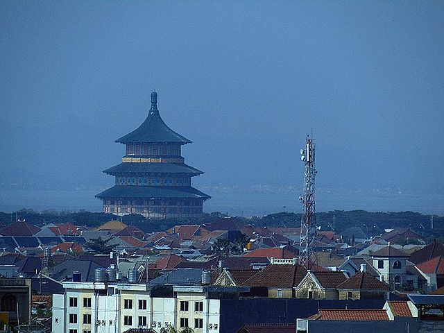 Temple_of_Heaven_(Pagoda_Tian_Ti),_Surabaya