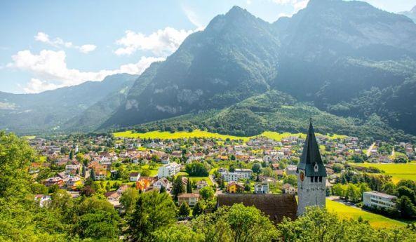 6. Liechtenstein - 160 km²