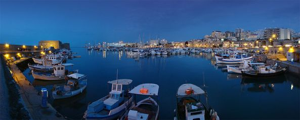 800px-Crete_Iraklio1_tango7174