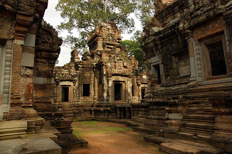 Angkor_Chau_Say_Tevoda_2009