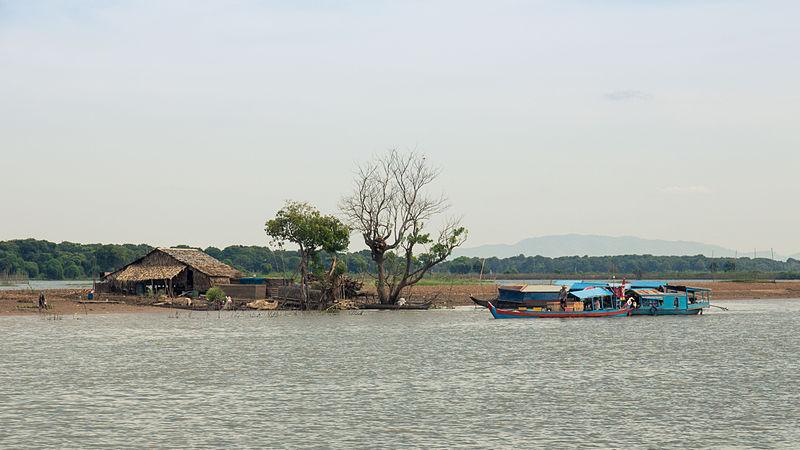 Tonle_Sap_inhabitants